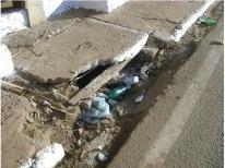 Bueiros entupidos pelo lixo da Cavalgada em Ji-Parana