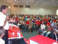 Deputado Anselmo discursa na reunião